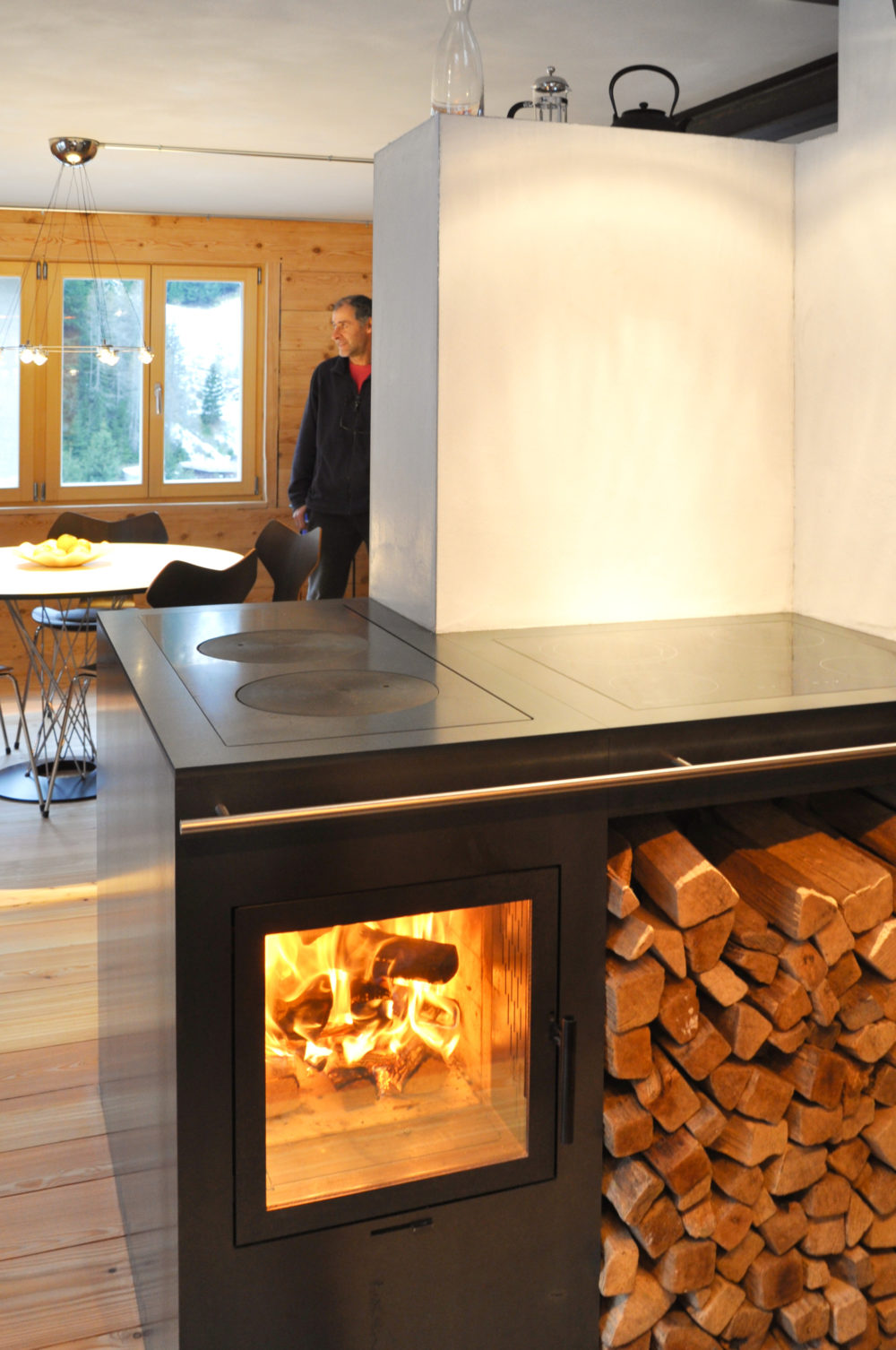 Kochofen in Innerferrera - heizt ein ganzes Haus