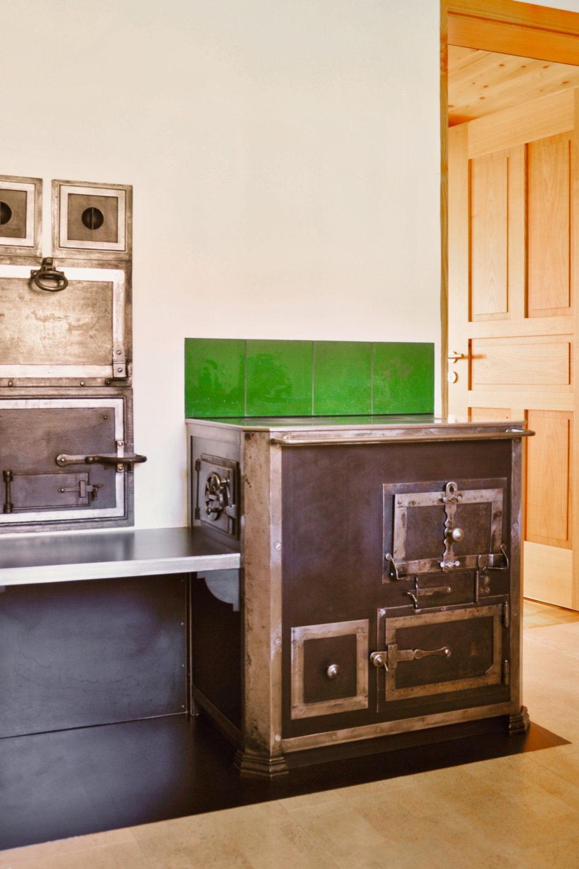 Neuer alter Holzkochherd in Gonten