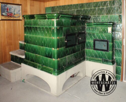 Grüner Kachelofen von Salomon Spiller Elgg